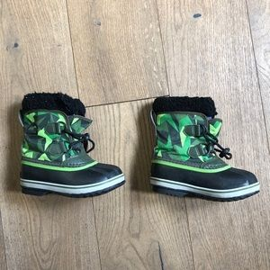 Sorel waterproof snow boots
